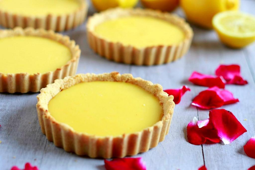 Luscious Lemon Tarts (gluten, grain, and dairy free, paleo) ~ savorylotus.com