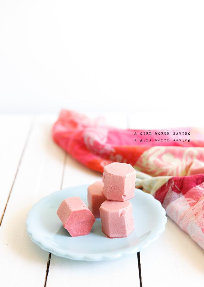 strawberryicecreambonbons-3