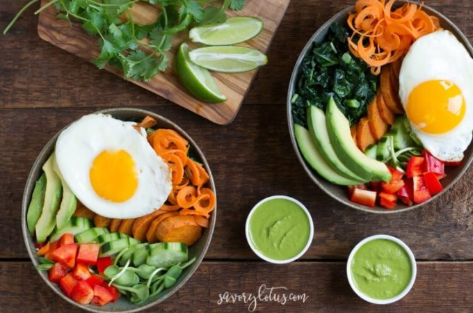 Veggie Breakfast Bowl with magic cilantro sauce | www.savorylotus.com