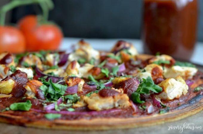 Paleo BBQ Chicken Flatbread (gluten free) | www.savorylotus.com