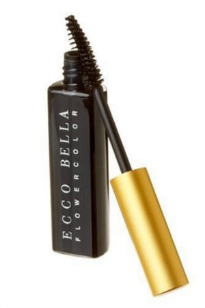 How Safe is Your Mascara? | www.savorylotus.com