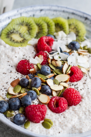 Chia Pudding Breakfast Bowl \ www.savorylotus.com