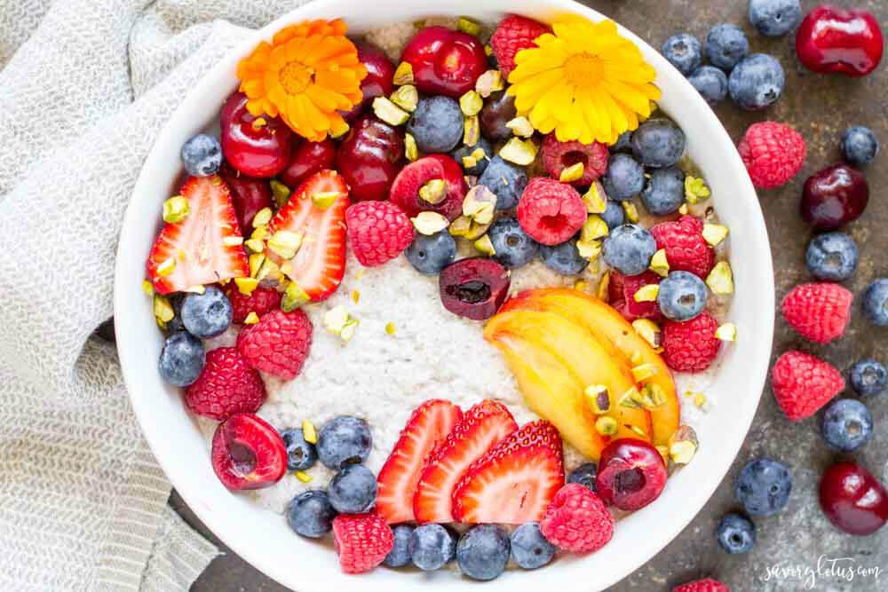 Summer Fruit Vanilla Bean Chia Pudding Bowl (dairy free) | www.savorylotus.com