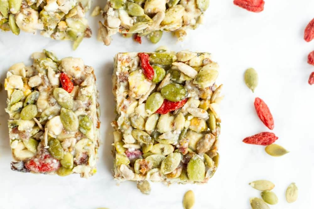 No Bake Tahini Honey Bars (gluten free, paleo, and vegan) = www.savorylotus.com