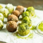 No Bake Matcha Energy Balls (gluten free, paleo, vegan) ~~ www.savorylotus.com