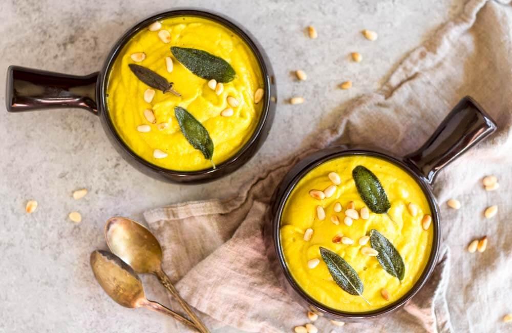 Creamy Broccoli Soup (dairy free) \ www.savorylotus.com