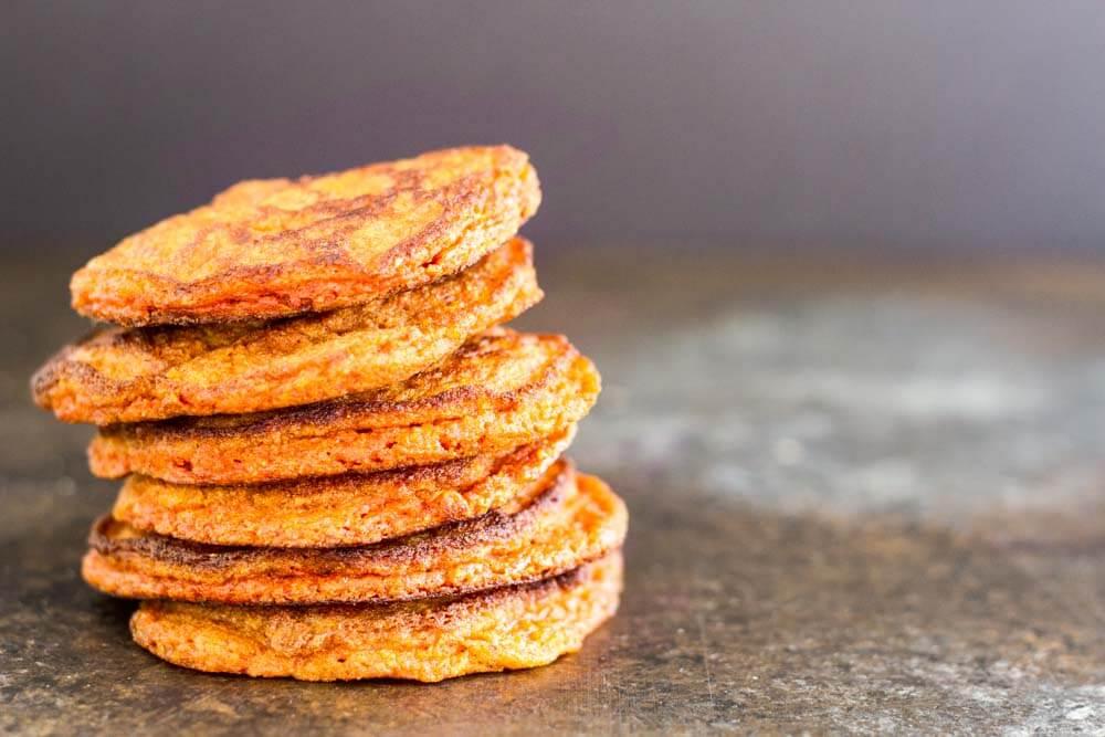 Turmeric Spice Pancakes (gluten free and nut free) \ www.savorylotus.com