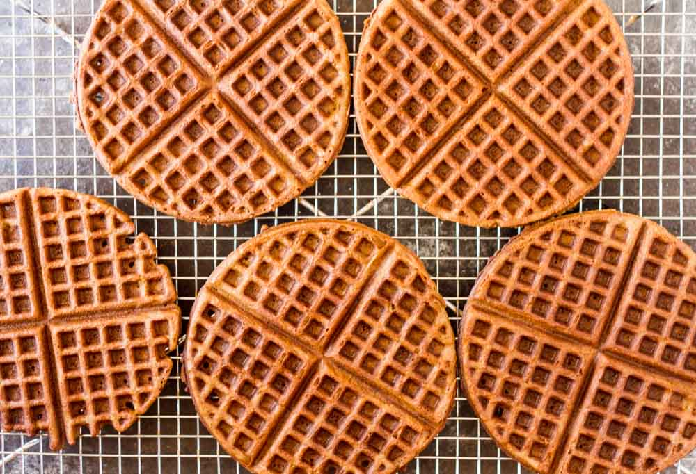 Gingerbread Waffles with Maple Cream (gluten free) \\ www.savorylotus.com