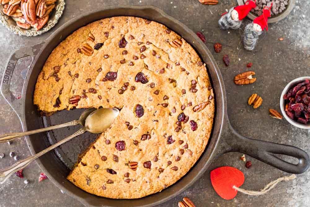 Chocolate Cranberry Pecan Skillet Cookie (gluten free) \\\ www.savorylotus.com