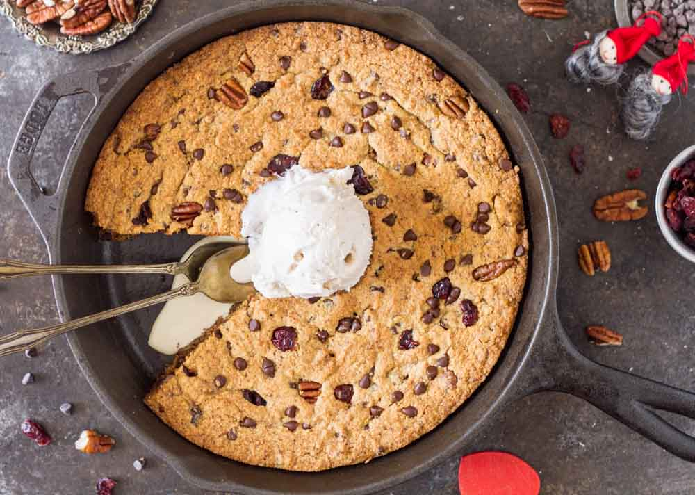 Chocolate Cranberry Pecan Skillet Cookie (gluten free) | www.savorylotus.com