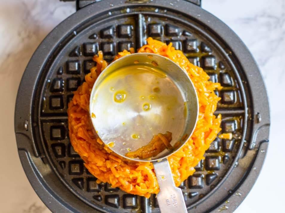 Flourless Savory Sweet Potato Waffles (gluten free) -- www.savorylotus.com