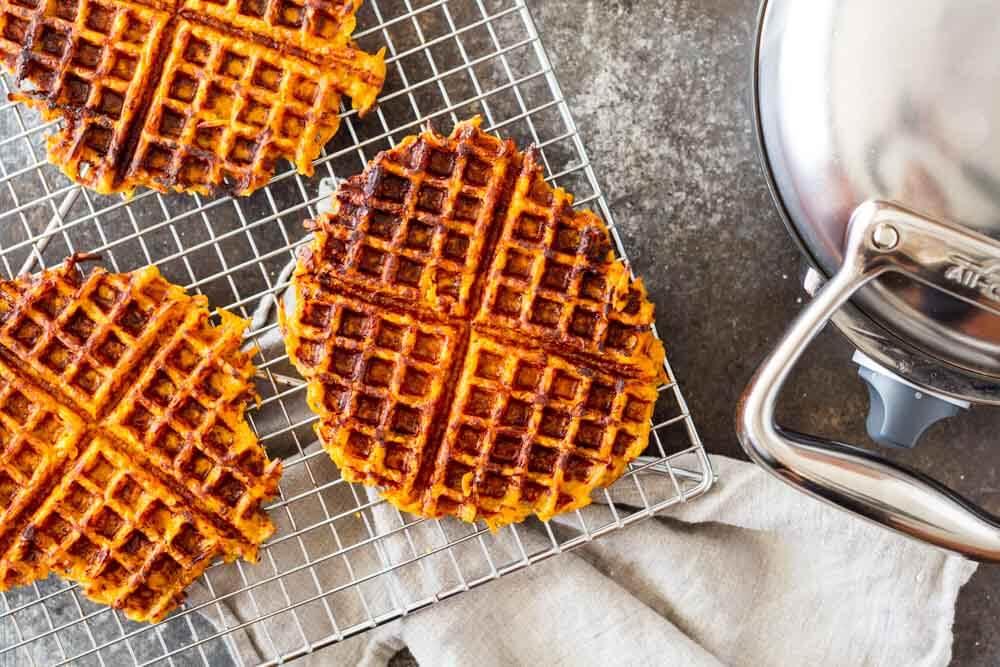 Flourless Savory Sweet Potato Waffles (gluten free, paleo) \ www.savorylotus.com