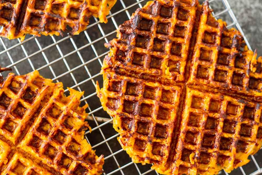 Flourless Savory Sweet Potato Waffles (gluten free, paleo) \\ www.savorylotus.com