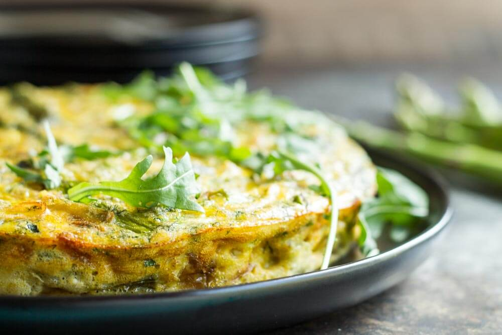Crustless Caramelized Onion and Asparagus Quiche \\ www.savorylotus.com