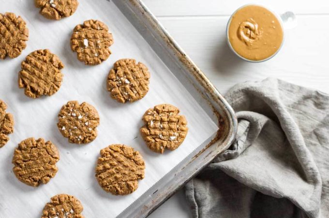 4 Ingredient Flourless peanut Butter Cookies (gluten free) | www.savorylotus.com