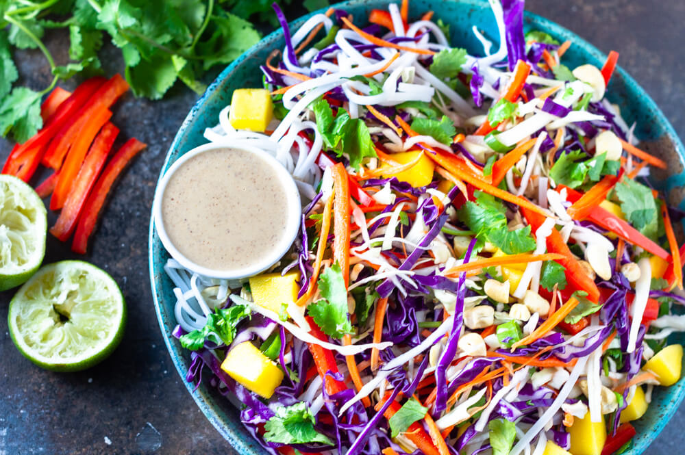 Thai Noodle Salad (gluten free, paleo and whole30 option) | www.savorylotus.com