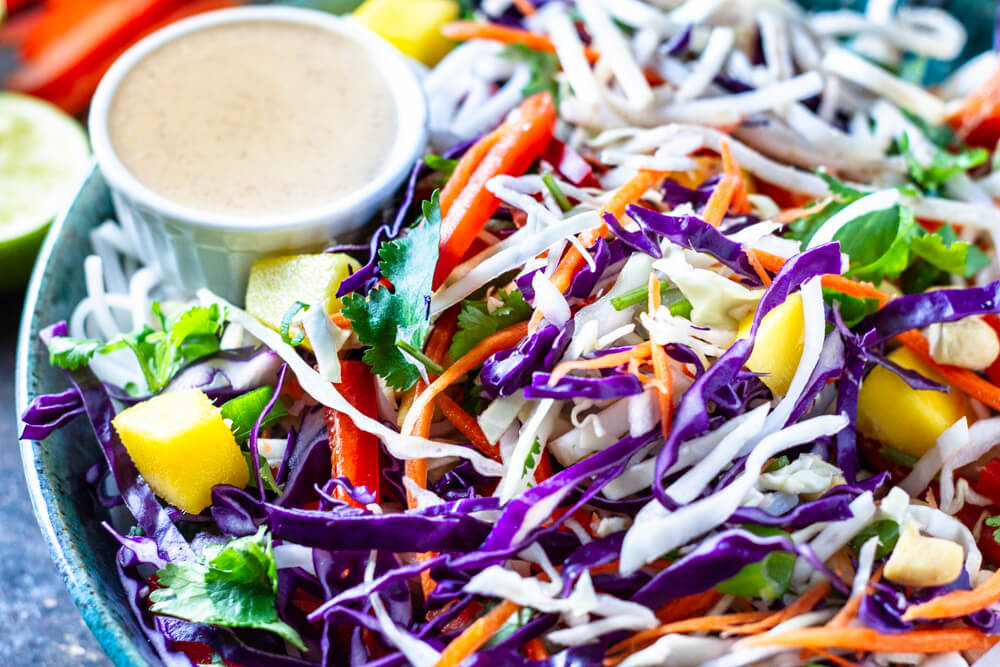 Thai Noodle Salad (gluten free, vegan,  paleo and whole30 option) \ www.savorylotus.com